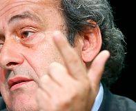 Platini pide a Blatter que deje la FIFA por mala imagen