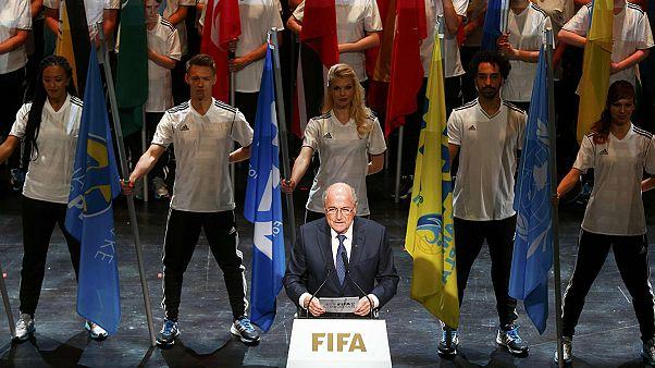 """FIFA vive no mundo de Alice no País das Maravilhas"""