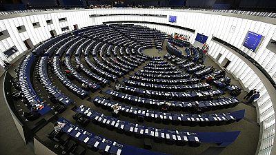 TTIP, luce verde dell'Europarlamento ai negoziati. Protestano i verdi
