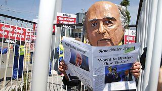 تظاهرات برای درخواست استعفای بلاتر