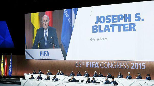 Sepp Blatter shrugs off scandal ahead of FIFA presidential vote