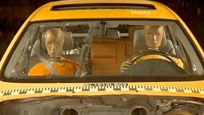 Airbags Takata: d'autres voitures rappelées dans le monde