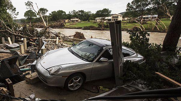 Rekordniederschläge in Texas: Meteorologen kündigen noch mehr Regen an