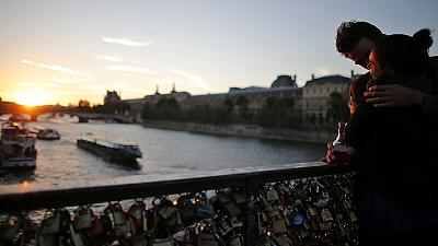 No more 'love-locks' on Paris' Pont des Arts bridge!