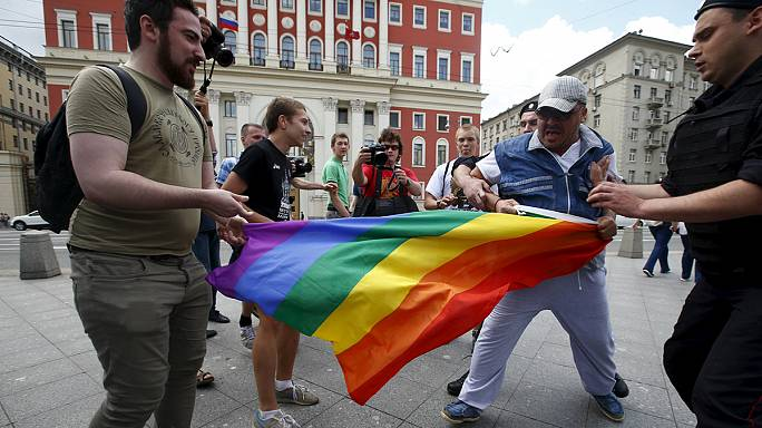 اعتقال نشطاء مدافعين عن حقوق المثليين في روسيا