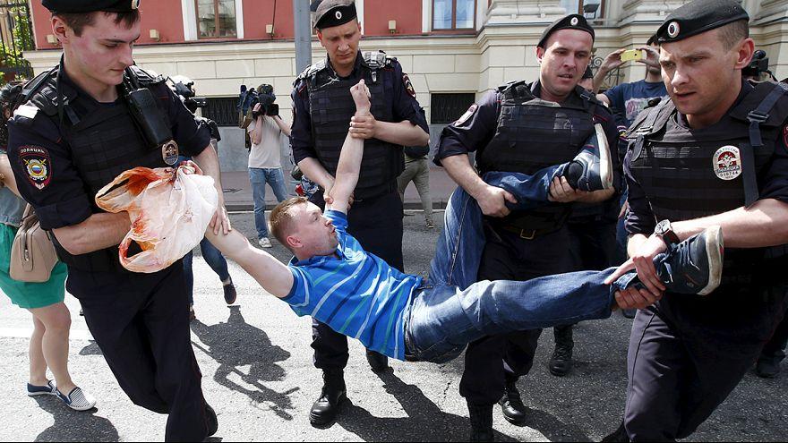 Russie : des militants homosexuels interpellés en marge d'une manif non autorisée à Moscou