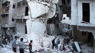 حمله هوایی ارتش سوریه با بشکه های حاوی بمب به شهر الباب