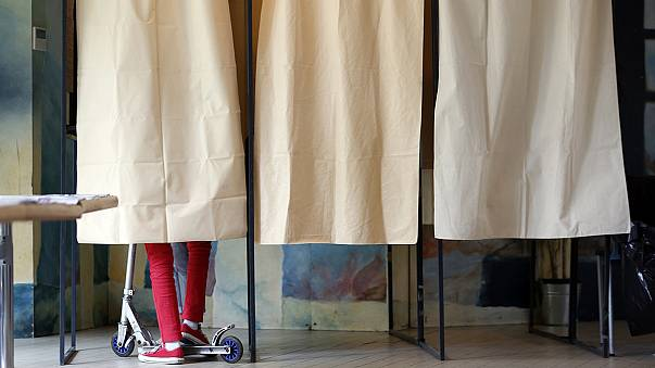 Italie : élections locales test pour la popularité de Matteo Renzi