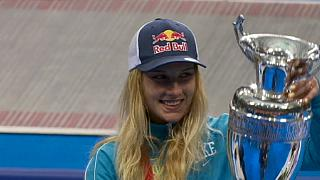 Olga Kharlan festeja terceira vitória em Moscovo