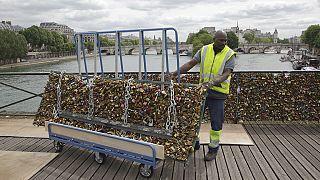 Paris diz adeus aos cadeados do amor