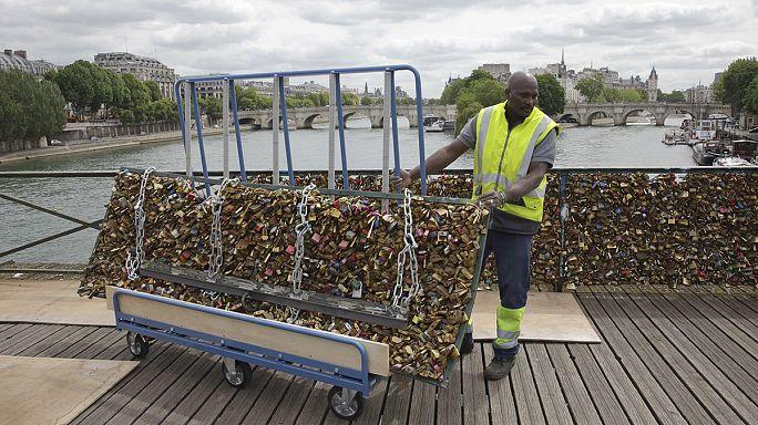 Paris'te 'aşk kilitleri'ne son