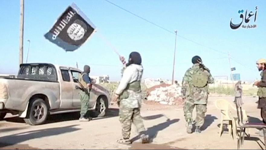 ISIL extends power in Syria; supply route to Aleppo cut, rights group claims