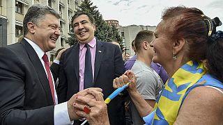 Saakaşvili Ukrayna milli marşını söyledi