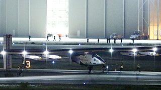 Solar Impulse 2 успешно приземлился в Японии