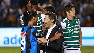 México: Pedro Caixinha campeão diante de Ronaldinho Gaúcho