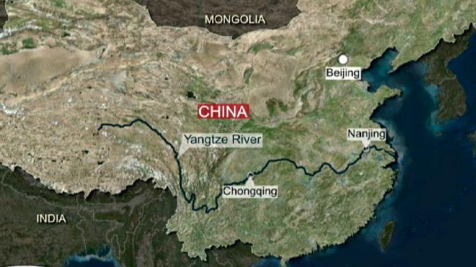 غرق سفينة تقل مئات الركاب في الصين