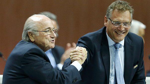 FIFA yolsuzluk soruşturması Sepp Blatter'a bir adım daha yaklaştı