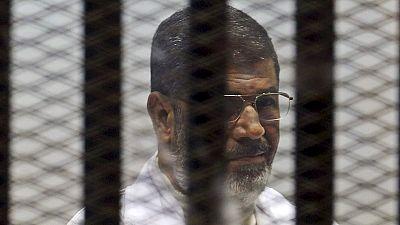 Justiça egípcia adia leitura final da sentença do ex-presidente Morsi