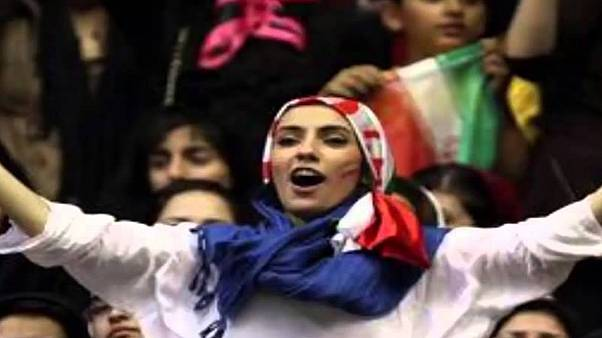مجوز حضور زنان ایران در ورزشگاه ها صادر شده، اما ابلاغ نشده است