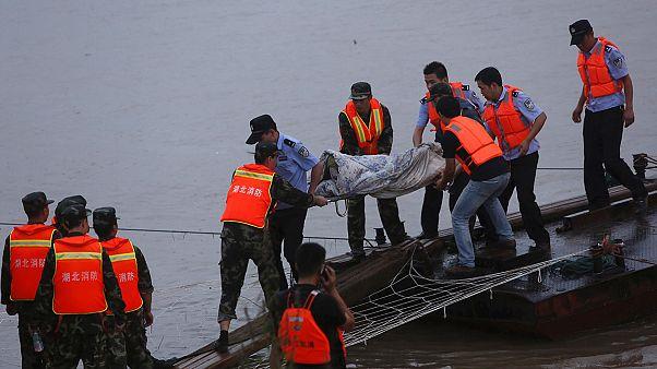 صدها تن از سرنشینان کشتی چینی هنوز ناپدید هستند