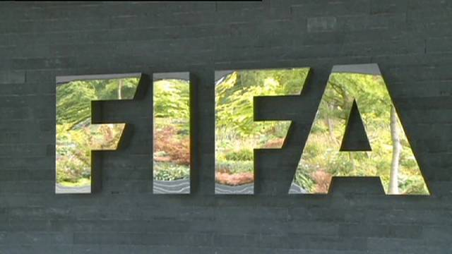 Qui va succéder à Sepp Blatter ?