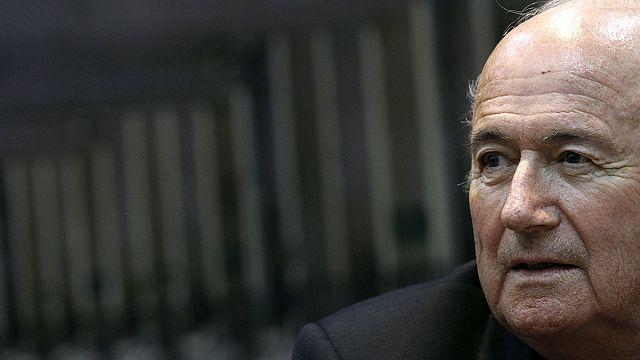 Blatter neden istifa etti? FIFA skandalının perde arkası