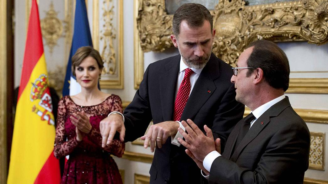 Felipe VI di Spagna riprende visita Francia interrotta da disastro Germanwings