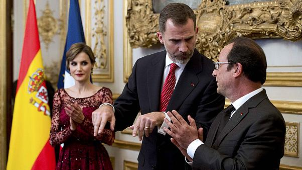 İspanya Kralı yarıda kalan ziyareti için Paris'te