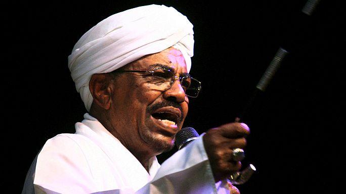 al-Bashír: összenőtt hivatalával a szudáni elnök