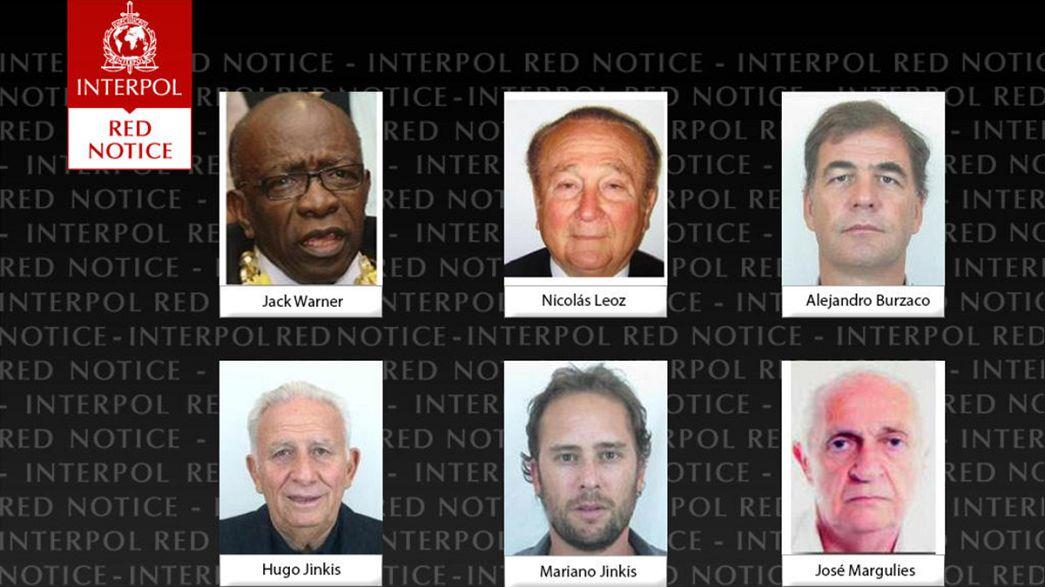 Hat FIFA-vezető az Interpol listáján