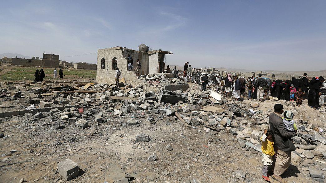 Suudi Arabistan savaş uçakları Aden ve Sana'yı bombaladı