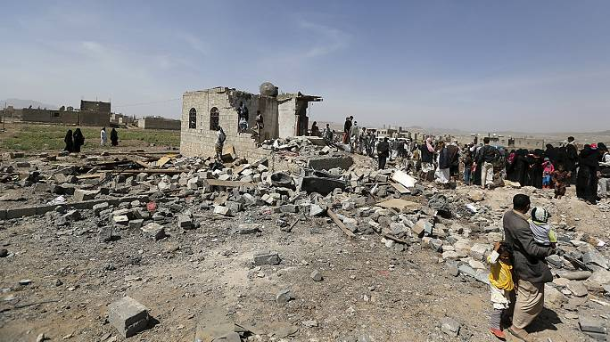 "Saudi-led bombardment of Yemen ""kills 20"" Houthi fighters"