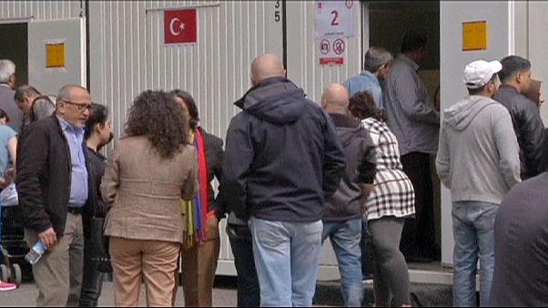 Ψήφισαν οι Τούρκοι του εξωτερικού