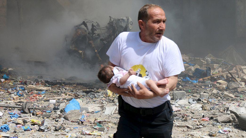 Syrien: Beobachter melden erneute Fassbombenangriffe auf Aleppo