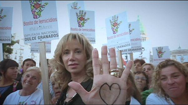 Multitudinaria protesta en Argentina contra la violencia machista