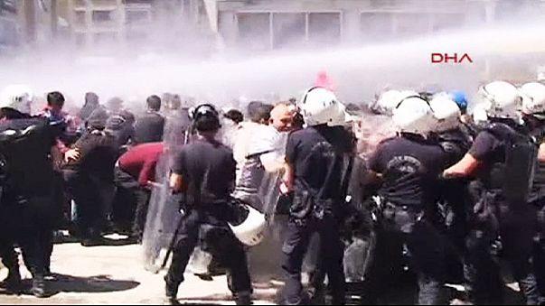 الشرطة التركية تفرق مظاهرة داعمة للاكراد