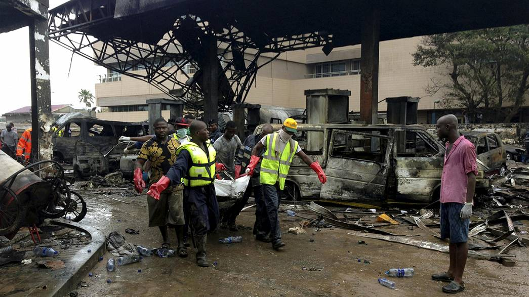 Gana: Explosão em estação de serviço origina mais de 90 mortos