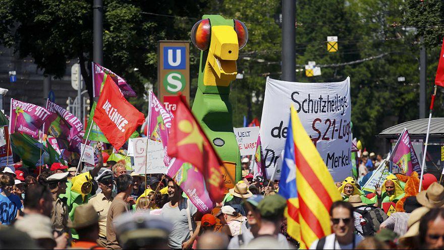 Tüntetések tarkítják a G7-csúcs előkészületeit