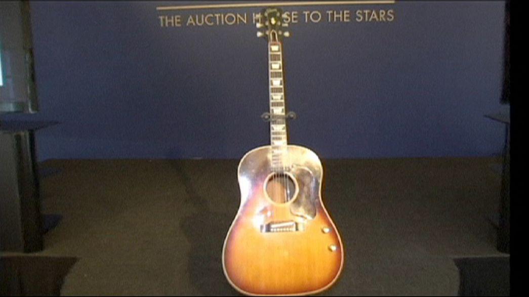 """Guitarra """"perdida"""" de John Lennon vai a leilão"""