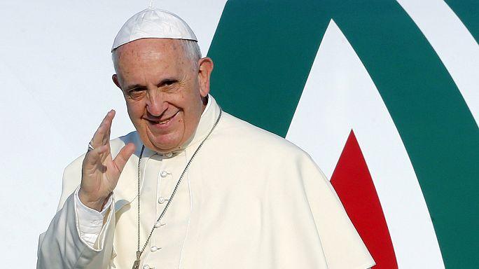 Papa Francis'i bekleyen Bosna Hersek ziyaretçi akınına uğradı