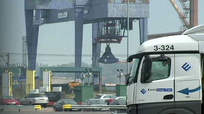 Lengyel kamionsofőrök vitték a meneküleket Angliába