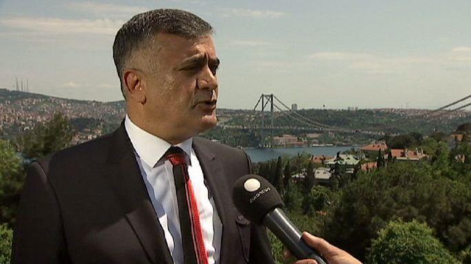 Adil Gür 7 Haziran'da yapılacak genel seçimlerle ilgili düşüncelerini euronews'e değerlendirdi