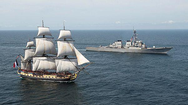 Átkelt az óceánon az 1780-as francia hadihajó mása