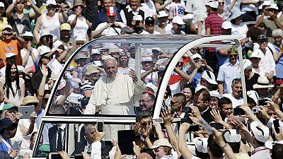 "Papa Francesco a Sarajevo, ""terza guerra mondiale combattuta a pezzi"""