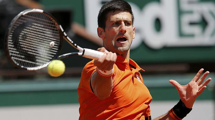 الصربي نوفاك دجوكوفيتش يتأهل إلى نهائي بطولة رولان غاروس المفتوحة لمحترفي التنس بفوزه في نصف النهائي على