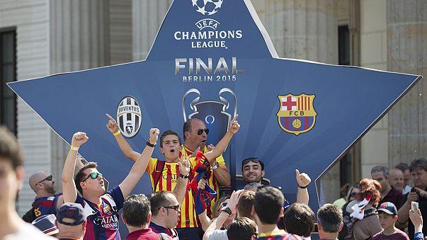 Miles de aficionados del Barça y de la Juve llenan las calles de Berlín a la espera de la gran final