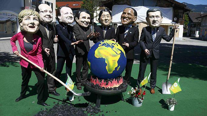 G7 Elmau: Ezrek tüntettek a Hetek ellen Bajorországban
