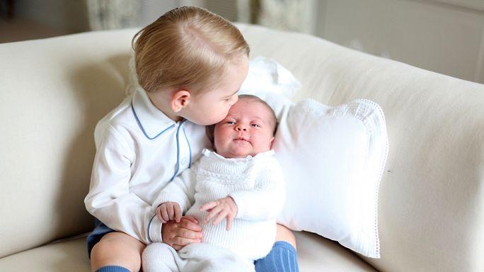 Первые снимки принцессы Шарлотты