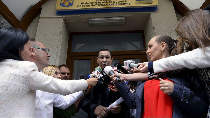 A román elnök is távozásra szólította fel a kormányfőt