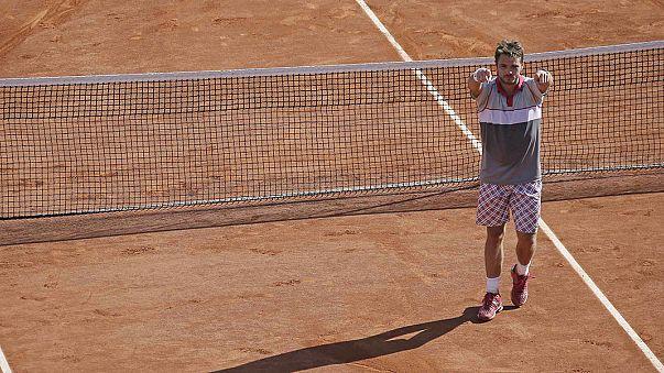 كرة المضرب:السويسري فافرينكا يُخرج دجوكوفيتش من الباب الضيق في رولان غاروس